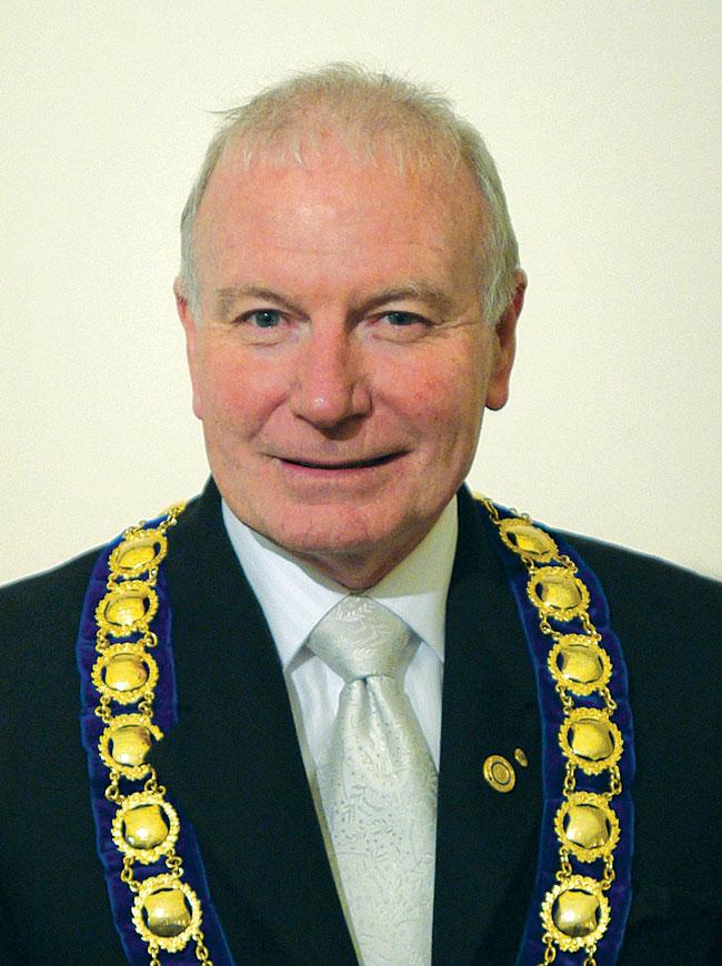 Portrait of Lord Mayor Gordon Bradbery OAM